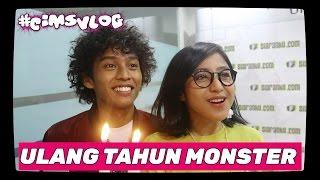 Video Fitriarasyidi - Surprise Ultah Madkucil UYEEHH !! MP3, 3GP, MP4, WEBM, AVI, FLV Agustus 2018