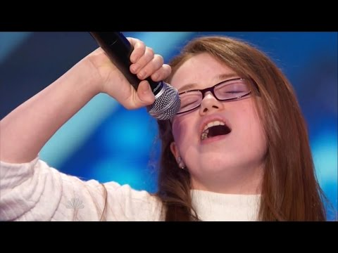Singing - Eleven-year-old singer Mara Justine takes the stage to show off her unbelievable talent. She belts out