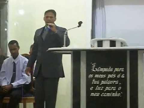 Impressionante, homem é curado de caroço no esôfago em pregação, domingo 23/06/2013.