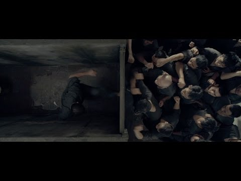The Raid 2 Berandal Fight Scene In A Bathroom Stall