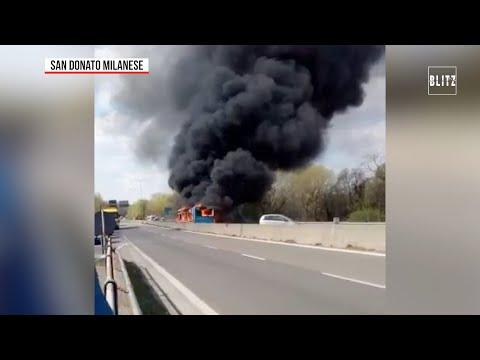Терор в Милано: Сенегалец запали автобус с 51 деца (видео)