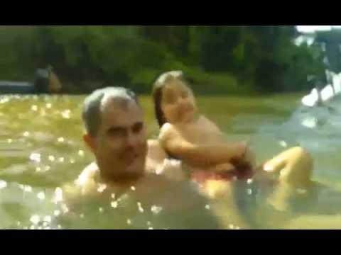 Banho de córrego do passeio de chalana pantaneira em Coxim - MS
