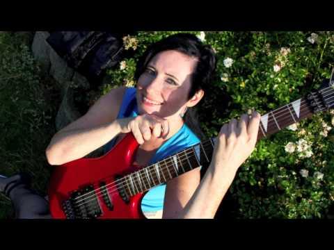 Ava Chrtková zpívá You might need somebody