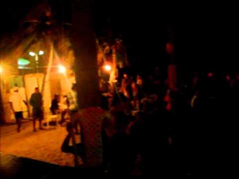 dj netinho em maxaranguape beach no dia 11-02-2012 agitando todas...