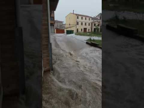 Desagüe de la riada en la avenida de Madrid./SN