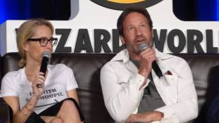 Download Lagu X-Files Cast at Wizard World Chicago 2016 panel talking about their favorite moment Mp3