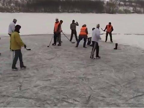 Hokejový souboj století - Vidláci vs. Borci