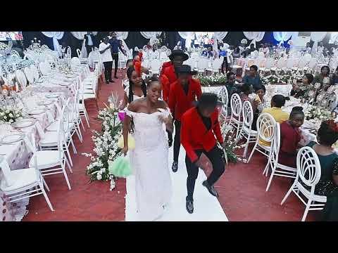 CROWN MAIDS dancing WAAH! DIAMOND ft KOFFI OLOMIDE (wedding)