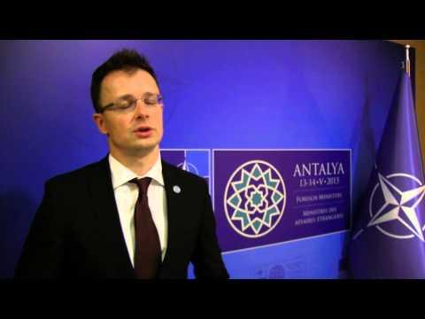 NATO az Iszlám Állam nevű dzsihadista szervezet és a terrorfenyegetés visszaverésére