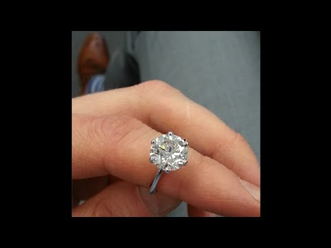 4.04 ct Round Diamond Engagement Ring in Classic 6-Prong Tiffany-style Setting