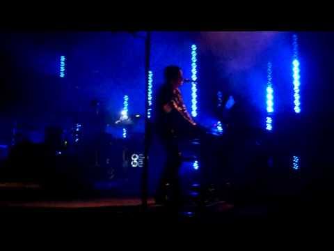 Trent speaks Nine Inch Nails (image stabilized)