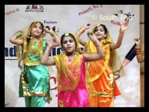 Gidda – Punjab, dance performance