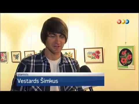 """Valmierā uzstājās pianists Vestards Šimkus ar koncertizrādi """"Novecento"""""""