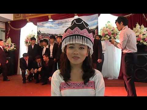 Noj peb caug nyob HaNoi xyoo  2014 ( tub ntxhais hmoob kawm nyob vietnam)