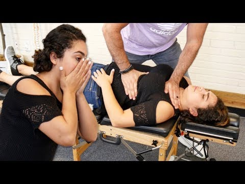 Chiropractic *CRACKING* for PAINFUL Scoliosis