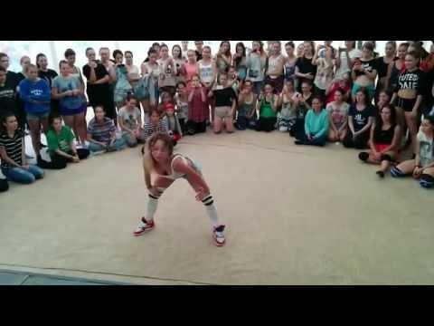 Елена FRAULES Яткина | twerk in SUMMER GROOVE DANCE CAMP 2015 (видео)