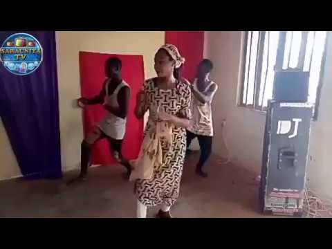 BEAUTIFUL GIRL DANCING ZANCEN SOYAYYA