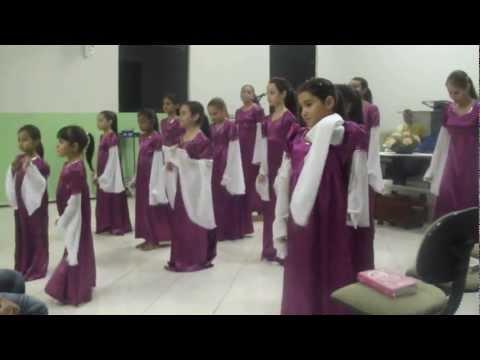 Coreografia dos adolescentes da AD Presidente Getúlio