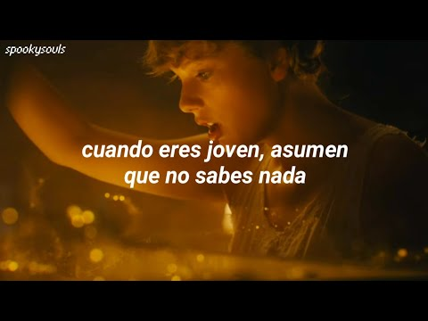 Taylor Swift - cardigan [Video Oficial] (Traducida al Español)