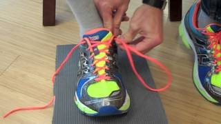 How to properly tie your shoes for running [VIDEO]
