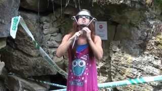 Cómo entrar en una cueva con Mangel   ELVISA