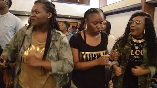 Video DeDrinique Barnes' Amazing Praise Break at 17th Birthday Celebration MP3, 3GP, MP4, WEBM, AVI, FLV Oktober 2018