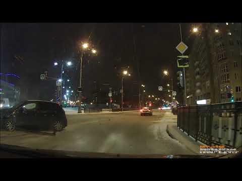 Авария в Екатеринбурге на улице Репина