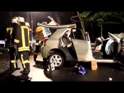 Eifa: Eingeklemmt bei Unfall auf B 253