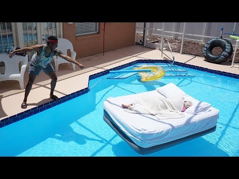 Video GRANDMA WAKES UP IN THE SWIMMING POOL PRANK!! download in MP3, 3GP, MP4, WEBM, AVI, FLV January 2017