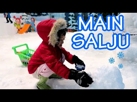 Bermain Salju Di Mall - Snow World Playground