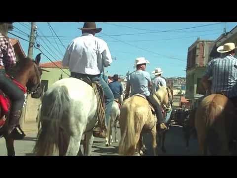 desfile de cavaleiros em camanducaia  yan e jana