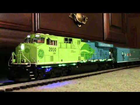 ES44AC - Hi guys! After nearly a 3 year wait I finally received my MTH GEVO Hybrid, in June of 2012. Here is a detailed review of this fine engine. Please leave your ...