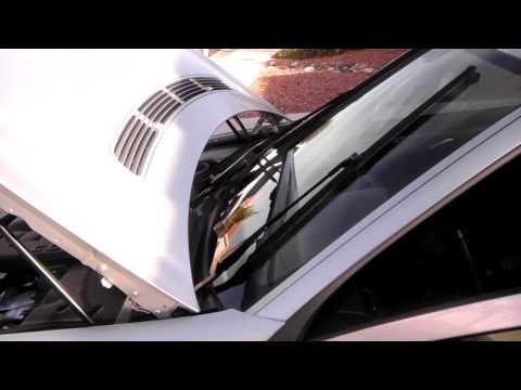 Replacing Mercedes Wiper Blades (Part 1 of 3)