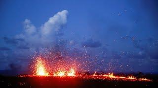 Video 'Lava chaser' documents Kilauea volcano eruption MP3, 3GP, MP4, WEBM, AVI, FLV Desember 2018