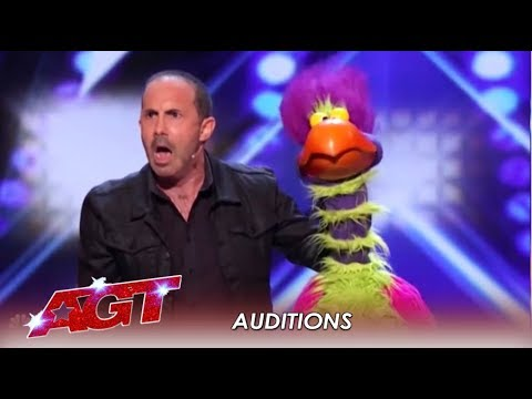 Michael Paul ft. Willie The Exotic Bird Who Can PRAY & CRAP In Same Act | America's Got Talent 2019