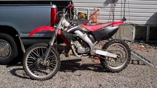 10. 2002 cr125r start up and ride