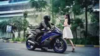 10. 2014 Yamaha YZF-R6 for Indonesia