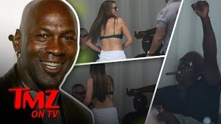 Video Michael Jordan Gets Sexy Bikini Dance | TMZ TV MP3, 3GP, MP4, WEBM, AVI, FLV Juni 2018