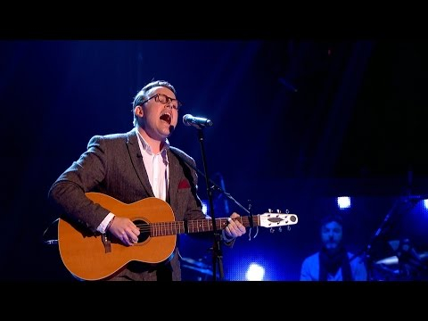 UK - http://www.bbc.co.uk/thevoiceuk Twin Daniel Duke performs a very unique version of 'I'm Gonna Be (500 Miles)' by The Proclaimers, impressing Will, Rita and Tom for a chair spin! Download...