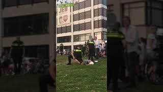 Trzy blondyny kontra policjant. Szybko pożałowały, że pyskowały
