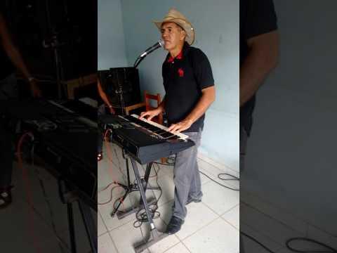 Galvão dos teclados em Urupá Ro...Eu tentei de Amaury Júnior