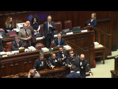 Italien: Parlament streitet über neuen Haushalts-Entw ...
