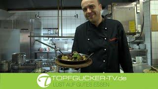 Wildschweinmedaillons | sautierte Champignons | Speck-Serviettenknödel