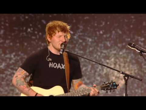 Ed Sheeran - Castle On The Hill (Billboard Music Awards 2017)