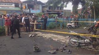 Samarinda Indonesia  city photos gallery : Breaking News! Ledakan di Depan Gereja Oikumene, Samarinda ; Anak-anak Jadi Korban