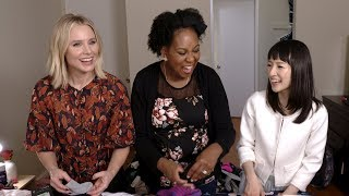 Video 'Momsplaining with Kristen Bell' #SparkJoy with Marie Kondo, Ep. 6 MP3, 3GP, MP4, WEBM, AVI, FLV Februari 2018