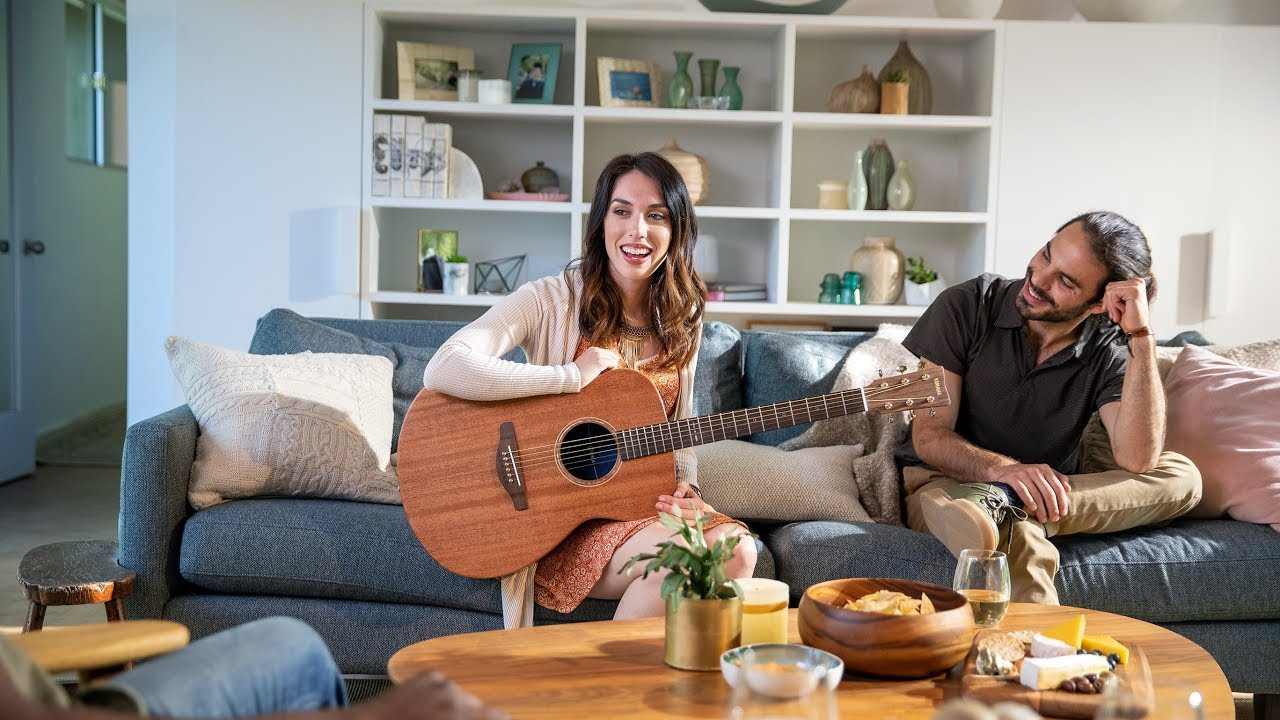 Yamaha Acoustic Guitar | STORIA – Color your day