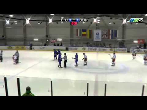 Jugador de Hockey golpea al arbitro