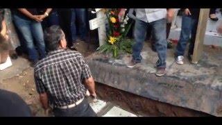 D.E.P. Ariel Camacho  Sepelio  Entierro  Homenaje
