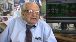 Download Video 106-year-old stockbroker talks shop MP3 3GP MP4